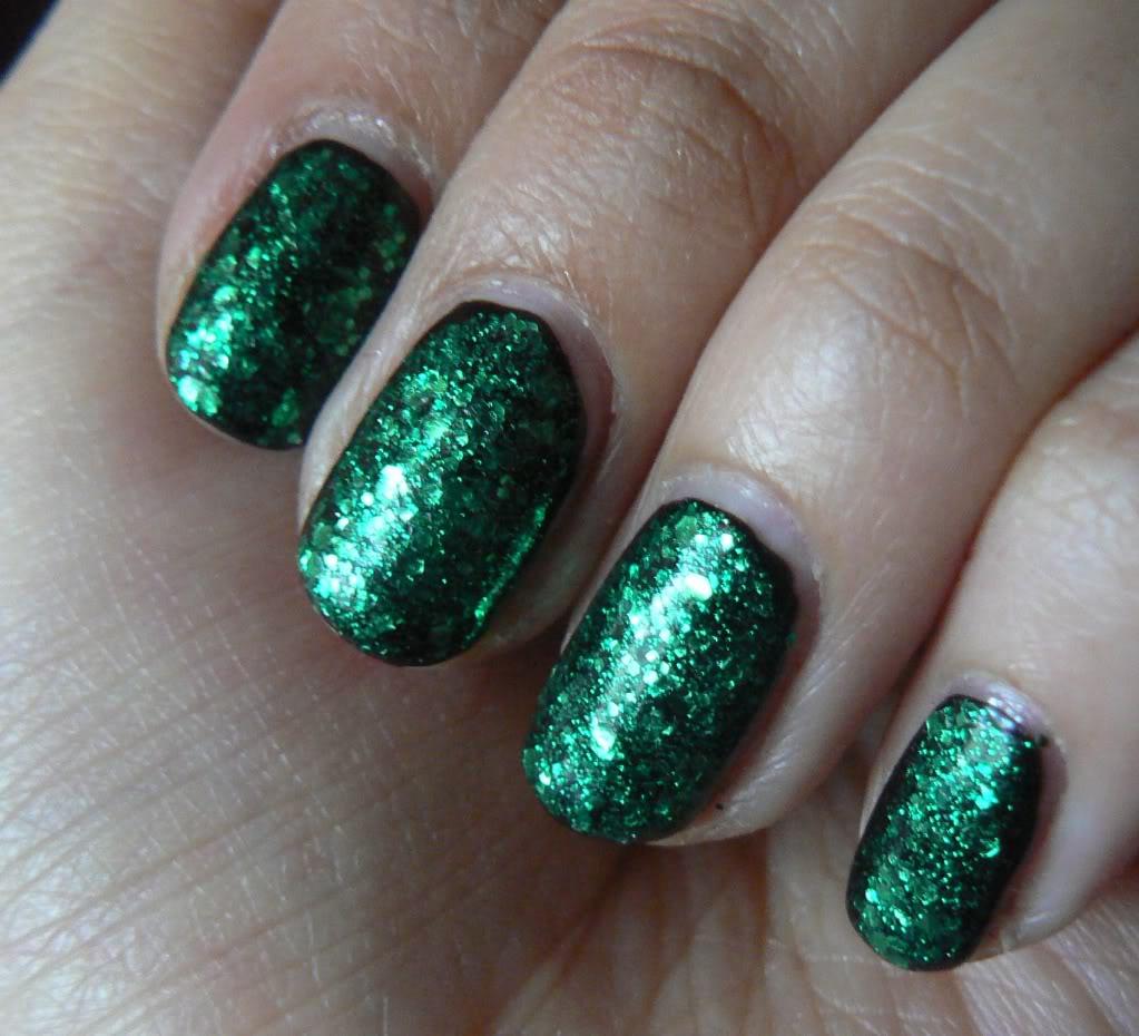 Top 30 Green Glitter Nail Designs 2018 Collections - Fashionre