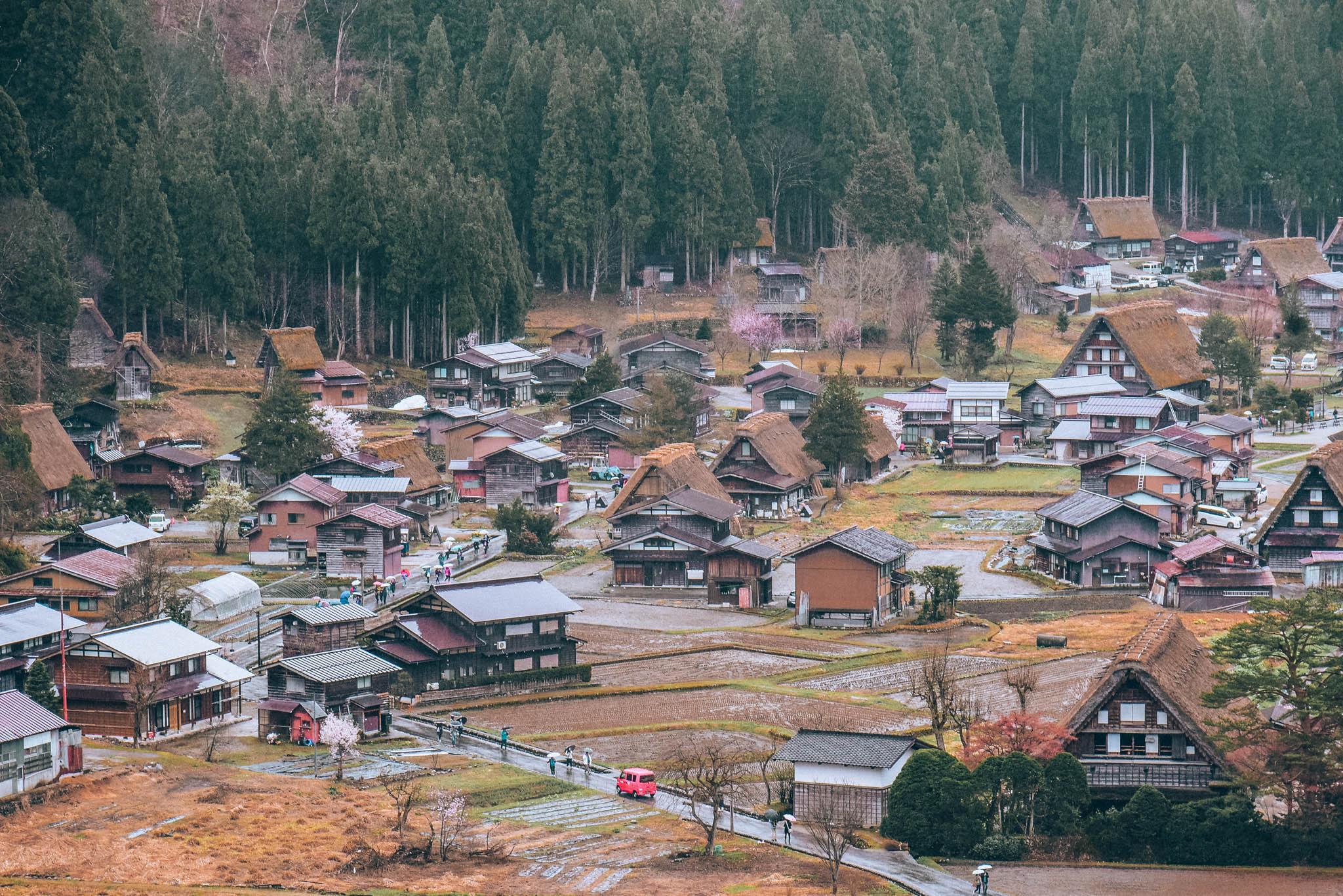 SHIRAKAWAGO 19