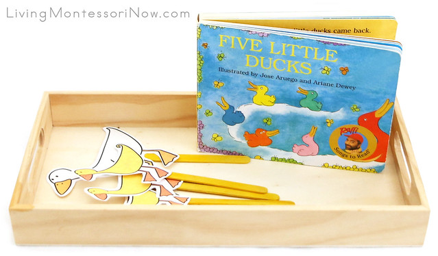 Five Little Ducks Finger Puppets and Book