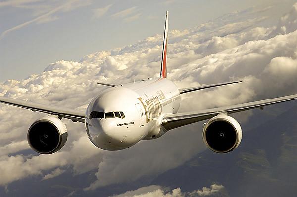 Emirates B777-200LR-Exterior (Emirates)
