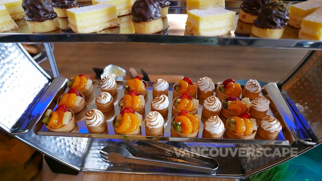 Westin Bayshore Hotel/H2 Rotisserie & Bar weekend brunch
