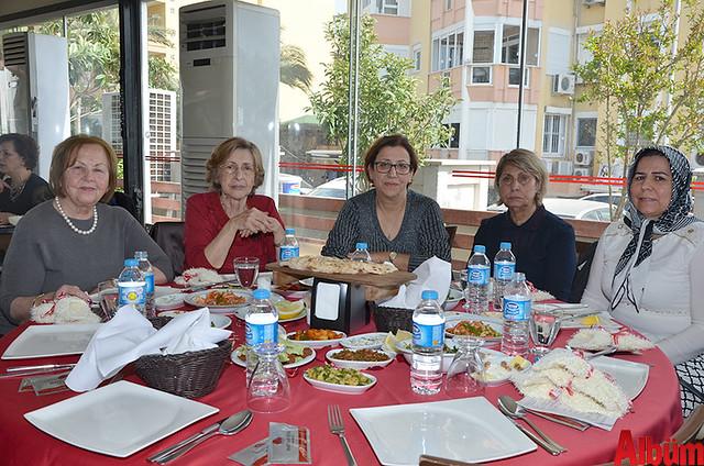 Nurhayat Durusoy, Sakine Hacıkadiroğlu, Rabia Dilsiz, Aynur Şenol, Habibe Kula