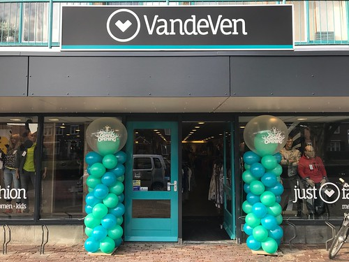 Ballonpilaar Breed Rond Grand Opening van de Ven Fashion Halsteren