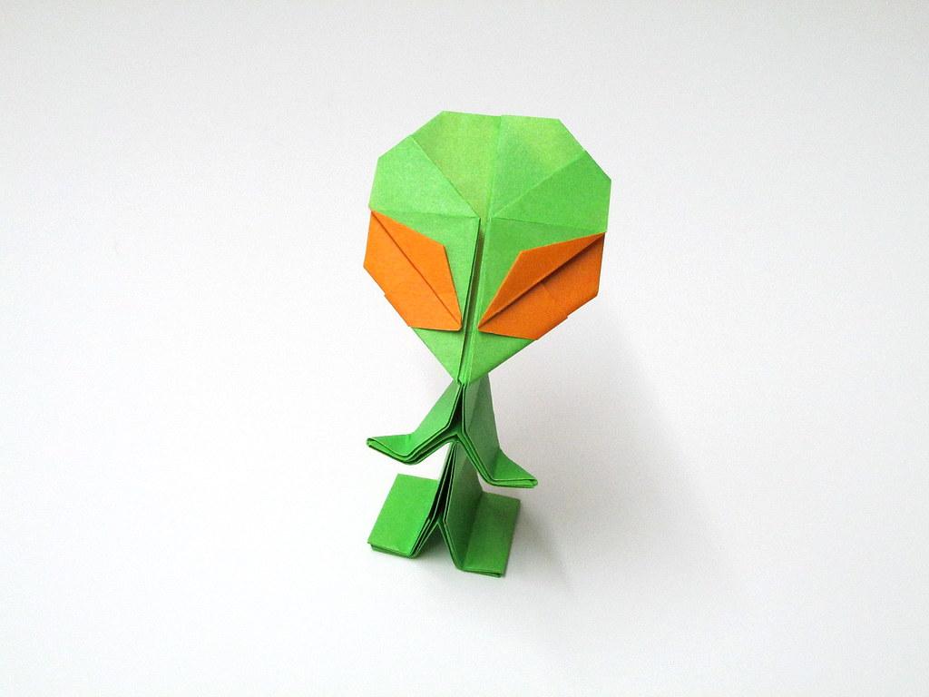 Kyle p harringtons most interesting flickr photos picssr origami alien design by riki saito jeuxipadfo Images