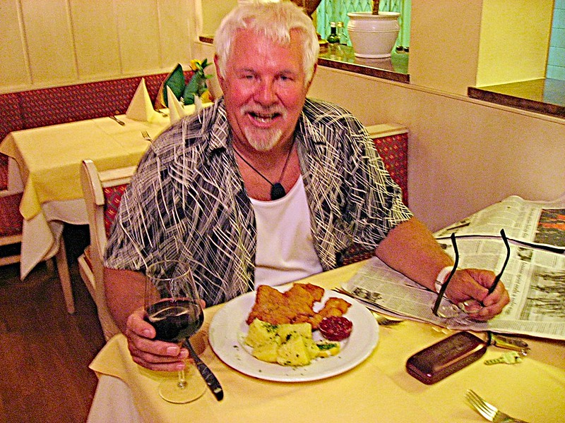 Dining Solo Worldwide Volume 2