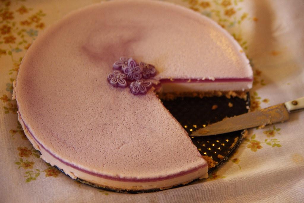 La exquisita tarta de violetas de Laura