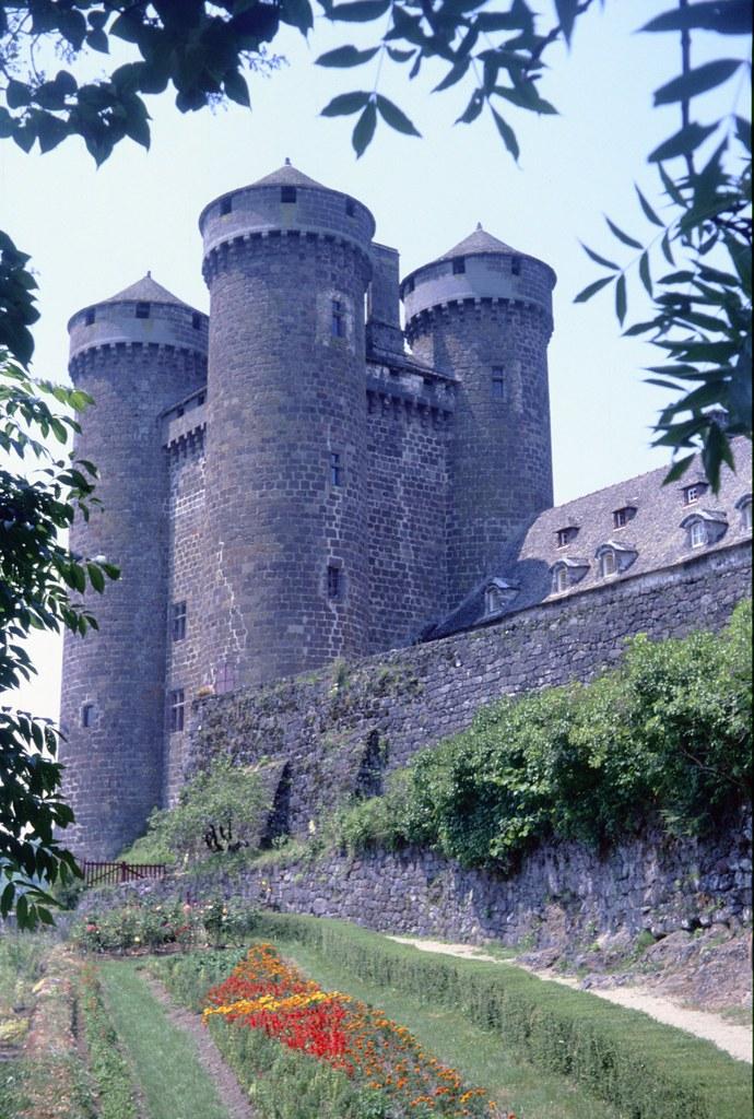 Cantal 1990