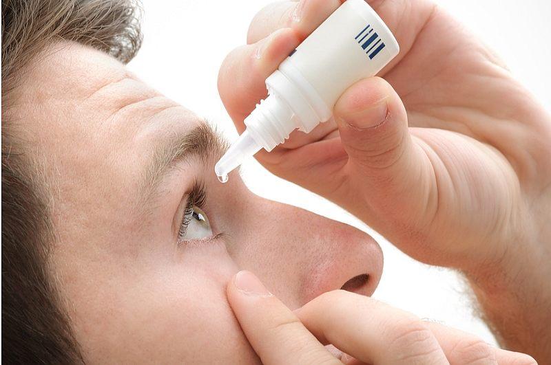 Des gouttes de nanoparticules pourraient mettre fin au besoin de lunettes