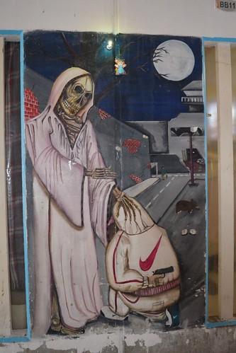 Mural a la Santa Muerte en un pasillo dentro del CEVARESO.