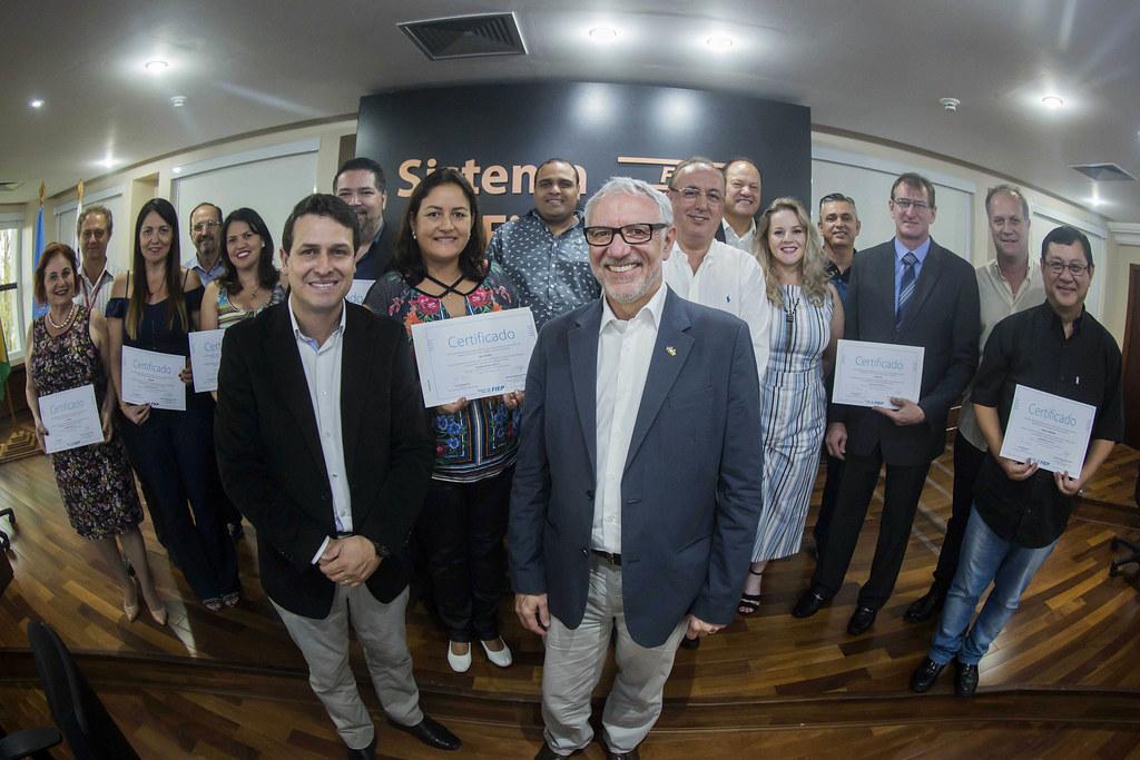 Entrega de certificado IDEB - Conselho Temático de Desenvolvimento das Cidades e Regiões