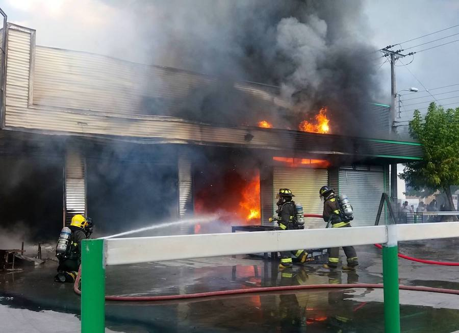 LINARES; Incendio Estructural en Valentín Letelier con Brasil