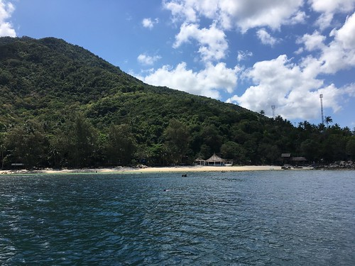 サムイ島発パンガン島1周プライベートボートチャーター