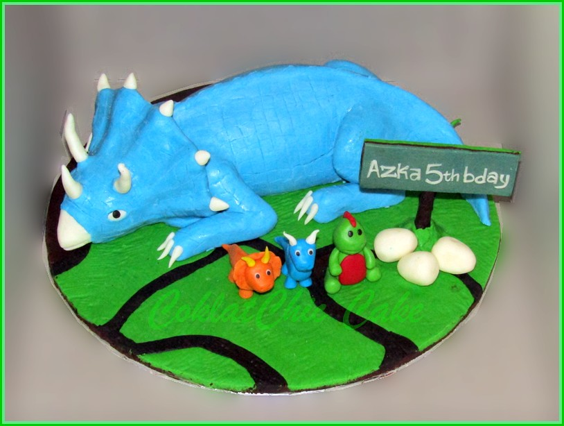 Cake dino AZKA 15 cm
