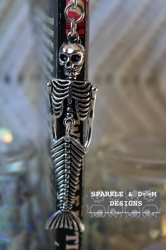 BOOKMARK Mermaid Skeleton d