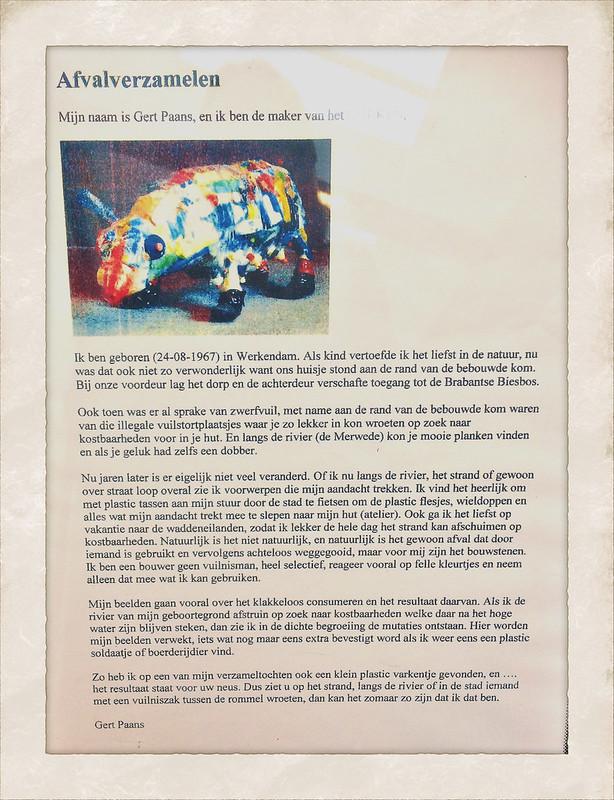 Kunstwerk Plastic Afval in de bibliotheek (deel 2)