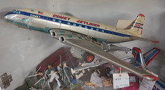 De Havilland Comet jetliner toy