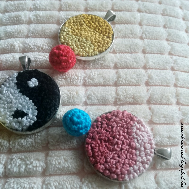pendant, crochet ball, mini ball, spring