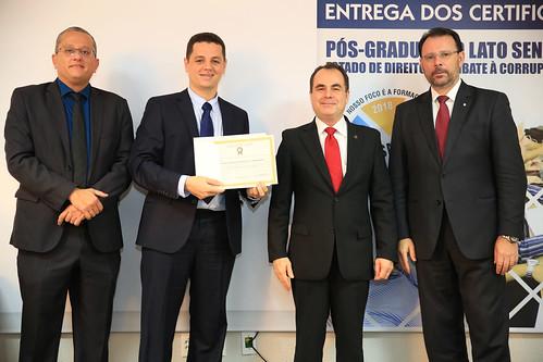 ENTREGA_CERTIFICADOS - PÓS COMBATA A CORRUPÇÃO (25)