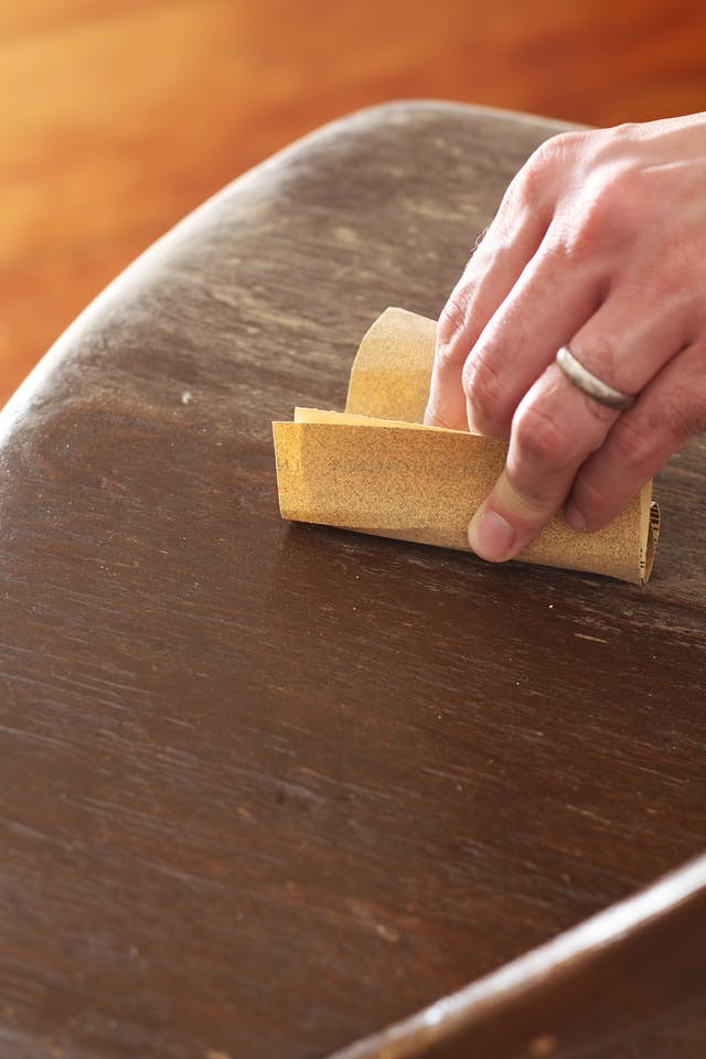 How to polish wood