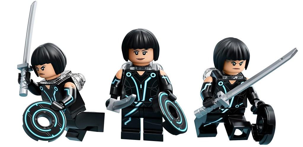 LEGO-Ideas-21314-TRON-Legacy-Quorra-Trio