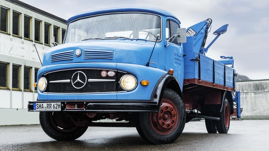 Mercedes-Benz L 323