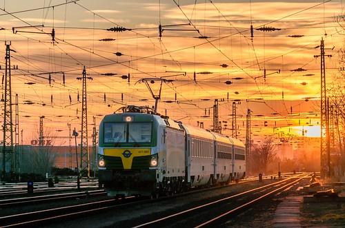 gysevvectron gysev gysev471 siemensvectron siemens vectron sunset budapest hungary train