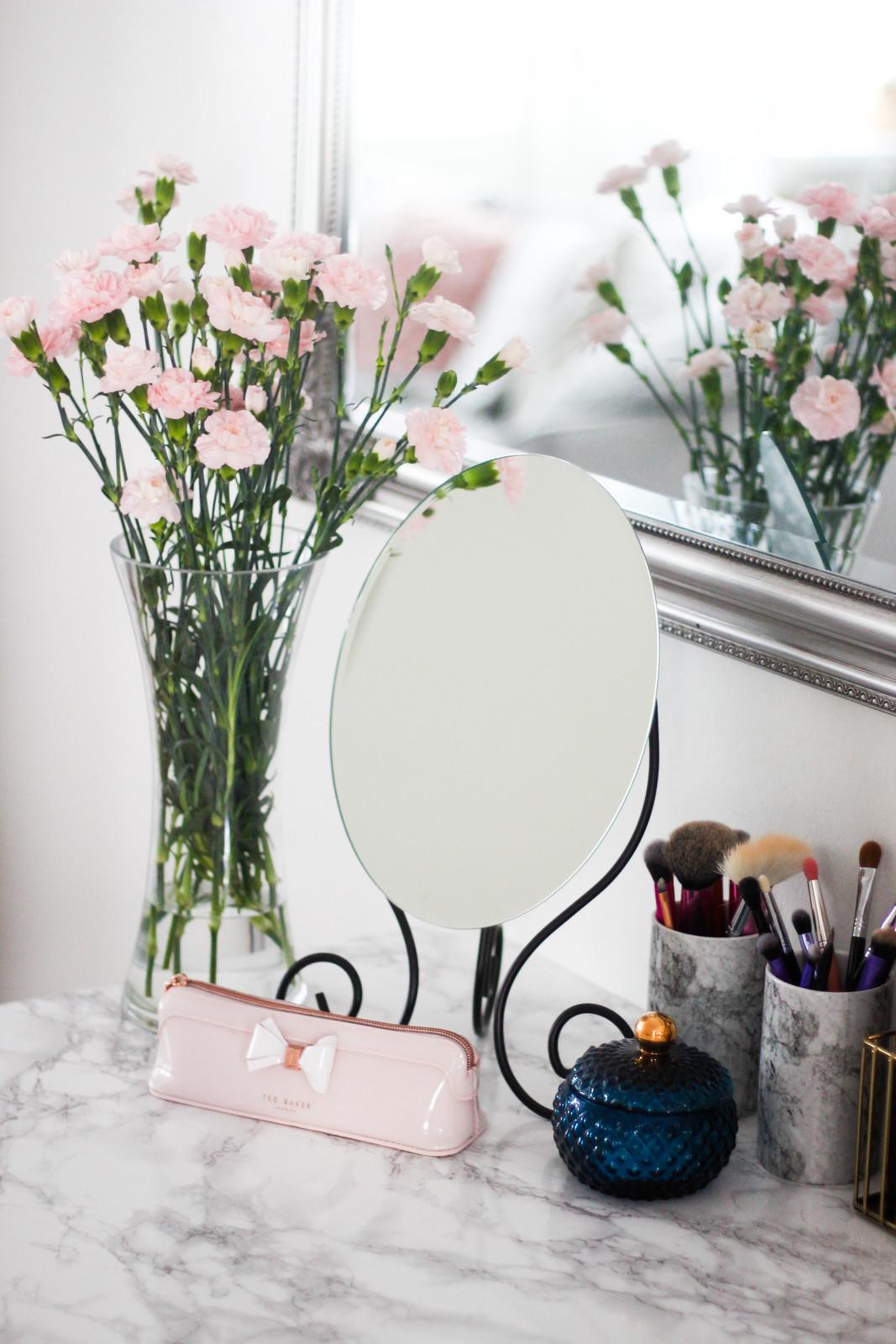 ikea meikkipeili blogi