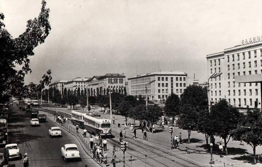 Проспект Победы (в то время Брест-Литовский) в районе станции метро Шулявская