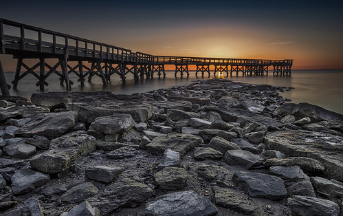 downspark dawn sunrise pier pasadena chesapeakebay maryland outdoors nature foreground landscape water ruleofthirds boulders