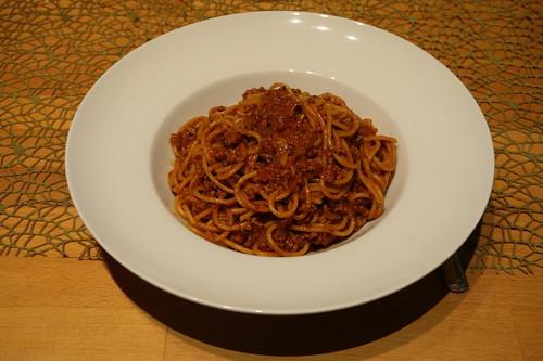 Spaghetti mit Gehacktessoße