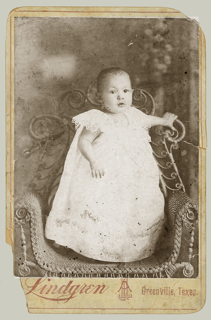 Cabnet Card baby on  wicker chair