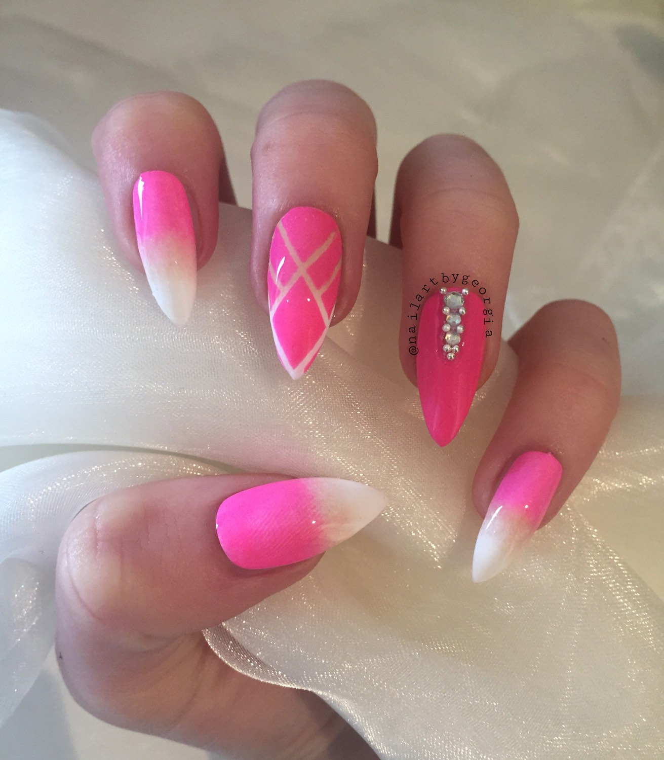 Exelent Pink And White Acrylic Nails Pattern - Nail Art Ideas ...