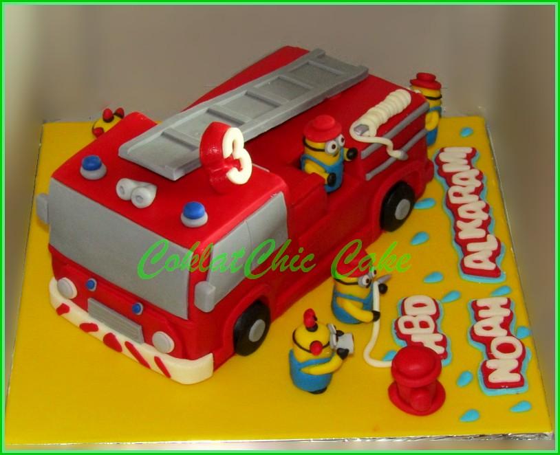 Cake Firetruck NOAH 22 cm