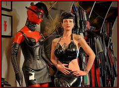 Louva dressed in black again....