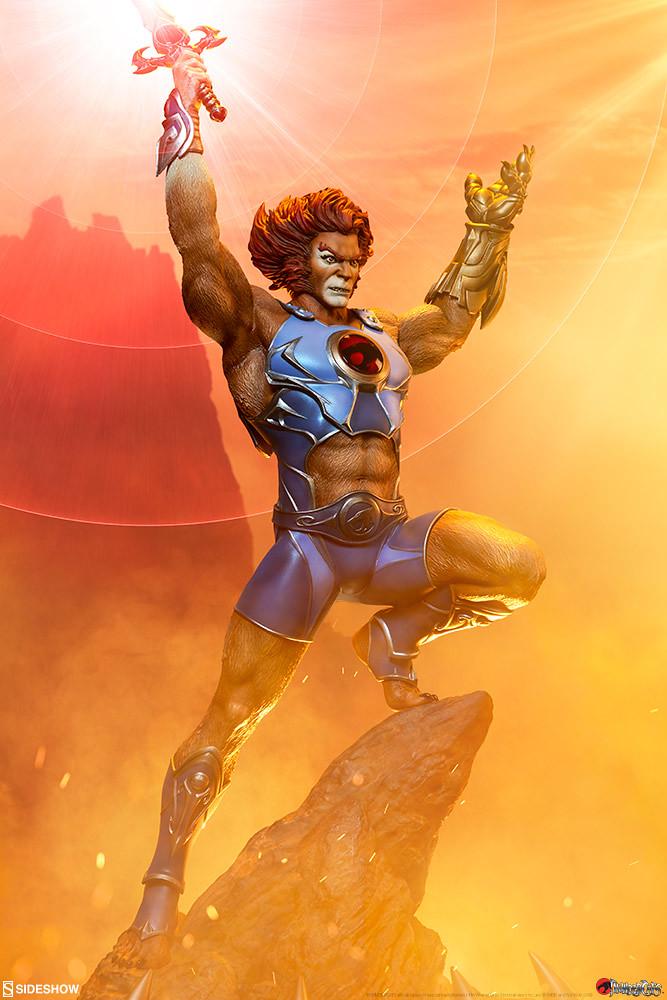 高舉神秘之劍,守護伙伴吧~! Sideshow Collectibles《霹靂貓》獅貓 Lion-O 全身雕像作品