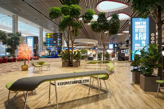 changi airport t4 seating transit area - kadungcampur