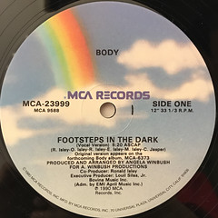 BODY:FOOTSTEPS IN THE DARK(LABEL SIDE-A)