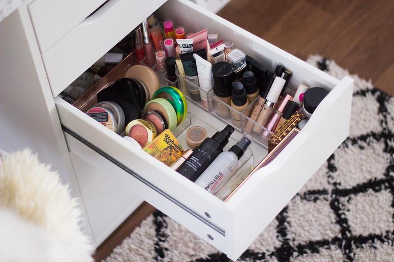 makeup vanity blog2