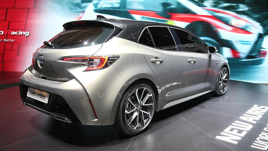 Toyota Auris premiera 10