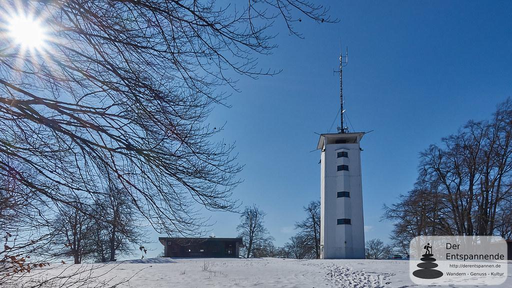 Hütte und Turm des Schäbischen Albvereins auf dem Volkmarsberg