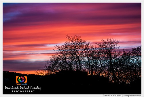 The-Magical-Sunset-and-Cirrus-Cloud-in-Edinburgh-City-Scotland-180323-184724