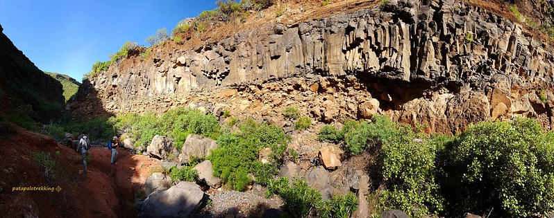 12 - Pared de roca volcánica