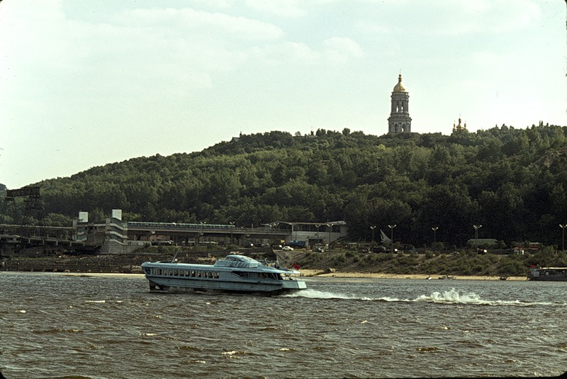 Киевские высоты с колокольней Лавры
