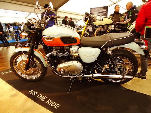 Triumph Bonneville 120