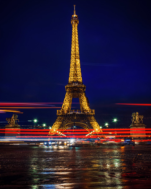 Blue hour at the Effeil Tower