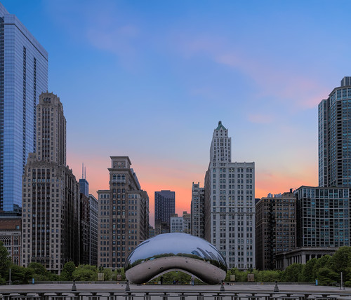 5d canon5d chicago urban canon chitown city miii cityscape skyline thebean bean landmark iconic sunrise millenniumpark michiganave buildings skyscrapers thechi reflection