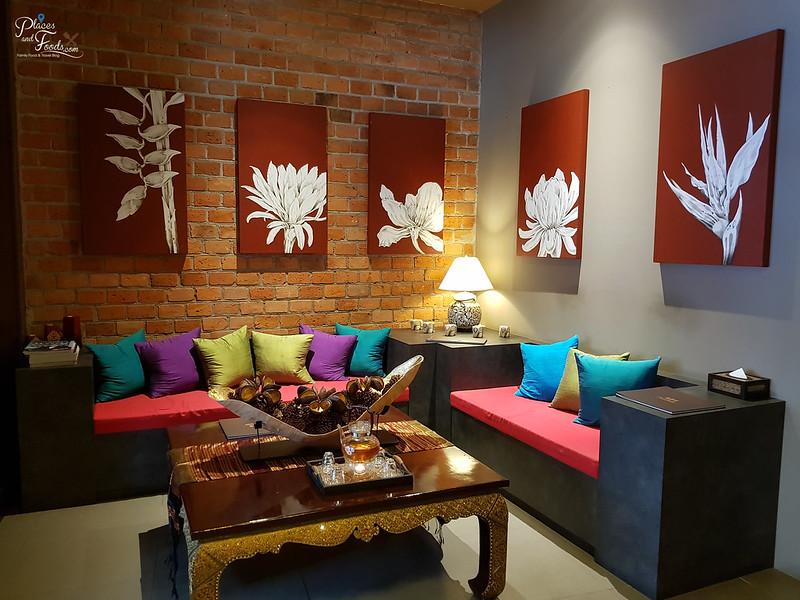 thai odyssey batam waiting area