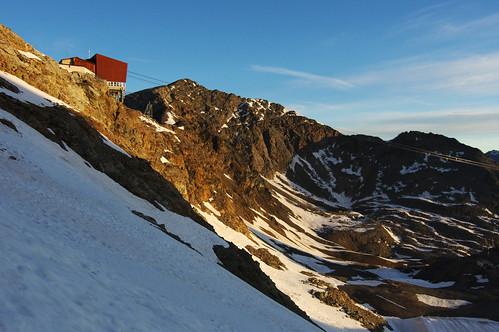 switzerland swiss alps alp alpen alpine mountains wandering path footpath trail journey exploration trek trekking walk walking hike hiking track tracking tourofthebernina berninatour bernina berninarange summer july view vista overlook viewpoint