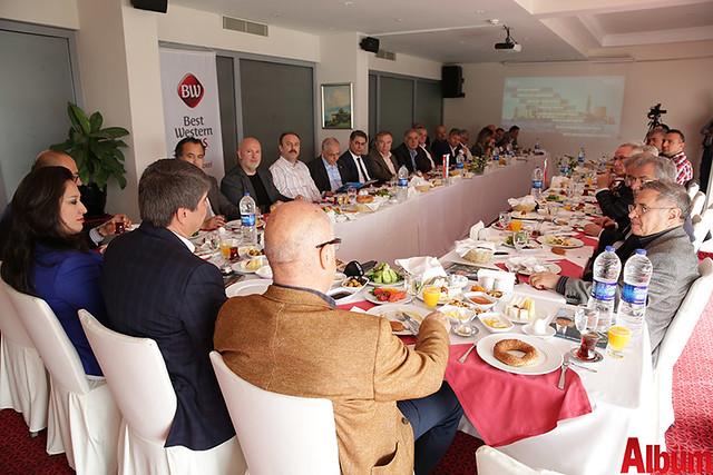 Antalya Büyükşehir Belediyesi Başkanı Menderes Türel 'Dostlar Meclisi'nin konuğu oldu-2