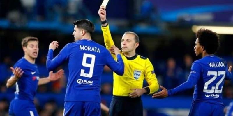Alvaro Morata Pukul Bendera Wasit di Pertandingan Chelsea vs Crystal Palace